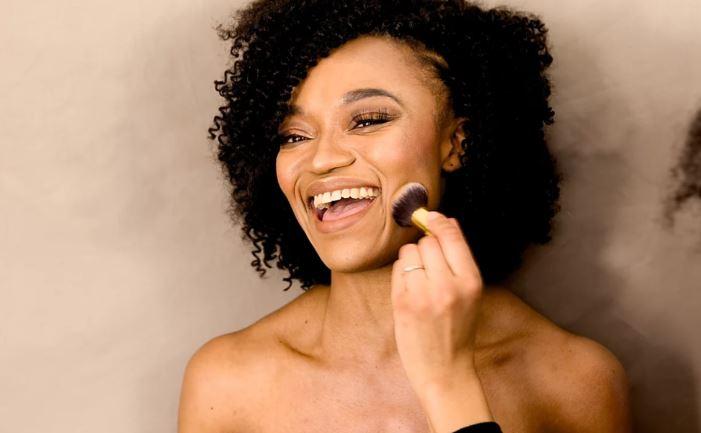 Maquillage-naturel--maquilleuse-professionnelle-meliwa-makeup-artist-nantes-44-