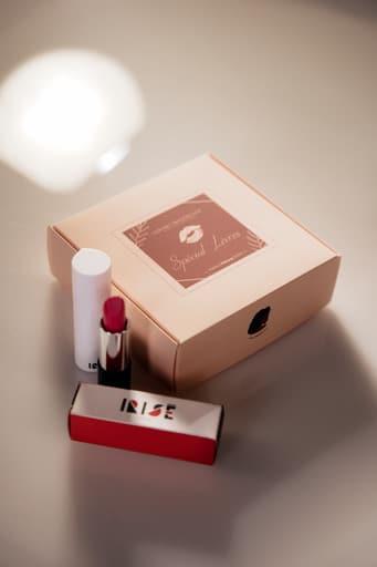 pinceau - rouge à lèvres - coffret maquillage - cours maquillage - nantes - lèvres